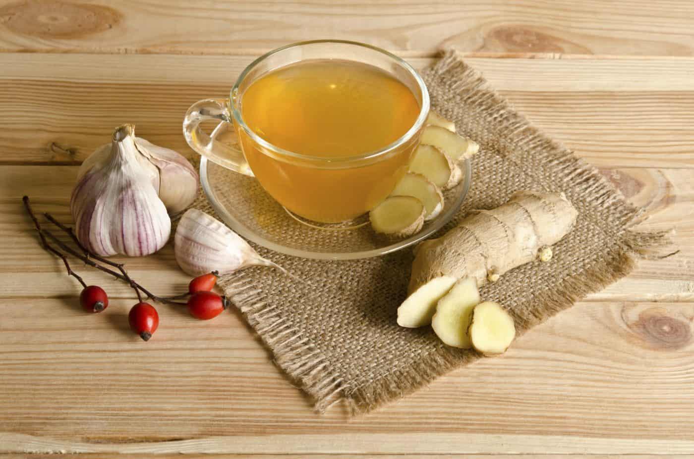 Чай с имбирем шиповником и лимоном